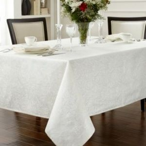 Waterford CHELSEA CREAM TABLE COVER 70 X 144